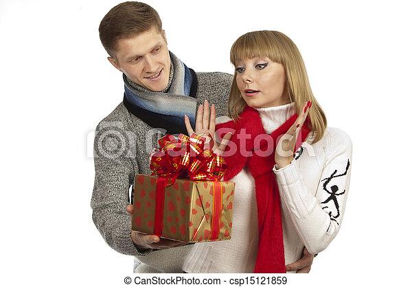 images de beau femme cadeau donner jeune homme jeune homme csp15121859 recherchez. Black Bedroom Furniture Sets. Home Design Ideas