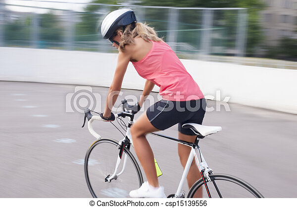 images de cycliste course femme excercise piste oriented v lo csp15139556 recherchez. Black Bedroom Furniture Sets. Home Design Ideas