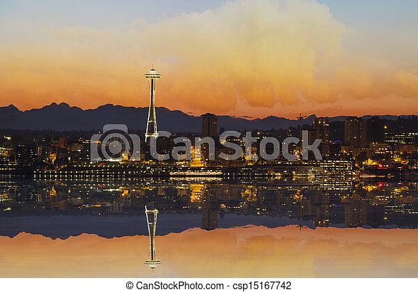 Seattle City Skyline at Sunrise - csp15167742