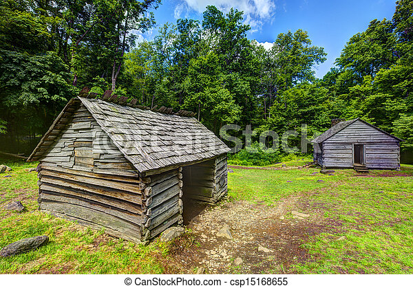 Log Cabins in the Great Smoky Mountains - csp15168655