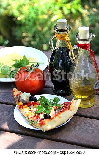 Stock de fotos de pedazo pizza verano jard n tabla for Pizza jardin precios