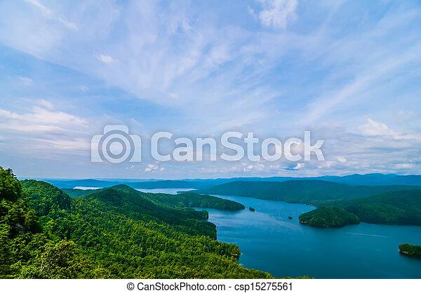 South Carolina Lake Jocassee Gorges Upstate Mountain - csp15275561