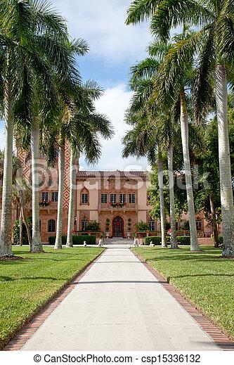 Historic manison in Sarasota - csp15336132