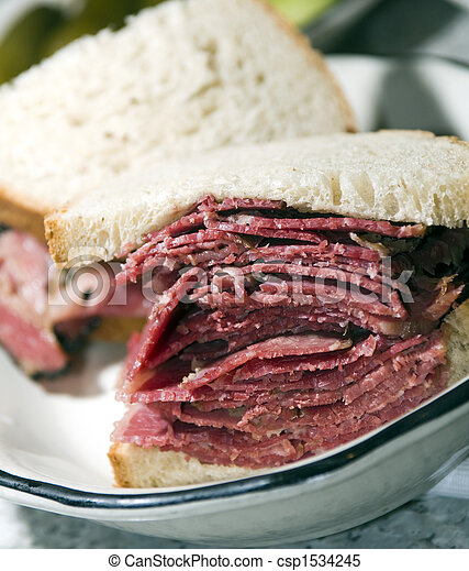 corned beef sandwich rye bread - csp1534245
