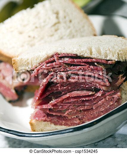 corned beef sandwich rye bread - csp1534245