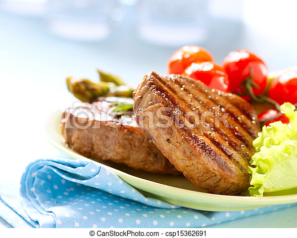 Grilled Beef Steak Meat with Vegetables - csp15362691