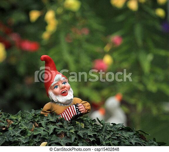 Photo de jardin nain ou gnome petit typique jardin nain ou csp15402848 recherchez - Petit nain de jardin toulouse ...