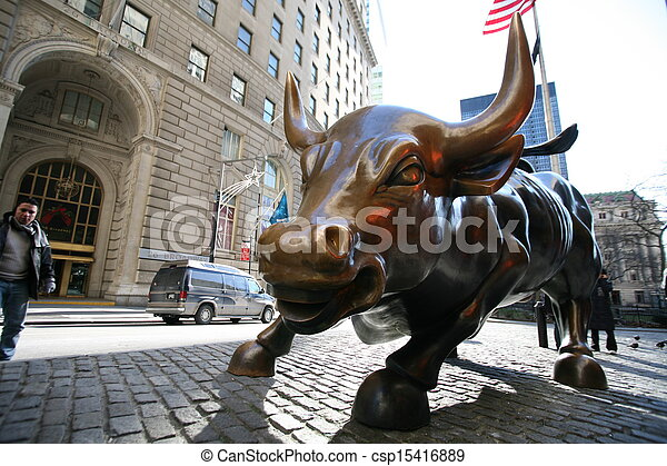 The landmark Charging Bull - csp15416889