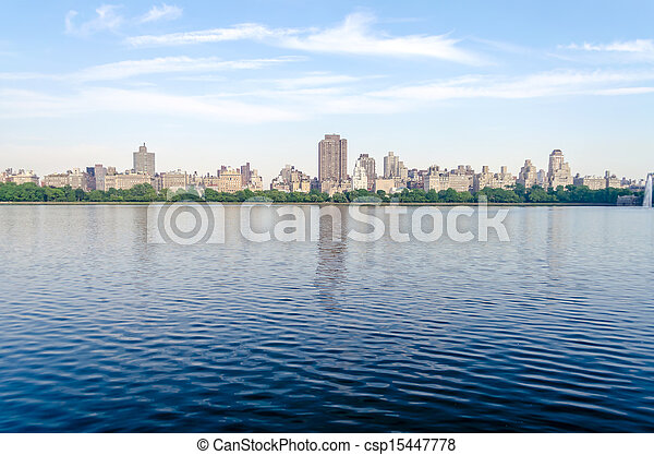 Reservoir in Central Park, New York - csp15447778