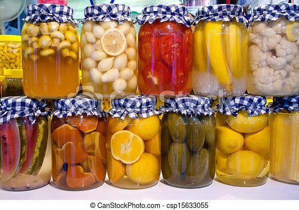 photo conserv vinaigre l gumes et fruit dans pots image images photo libre de droits. Black Bedroom Furniture Sets. Home Design Ideas