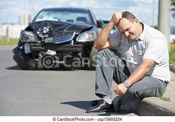 upset man after car crash - csp15693224