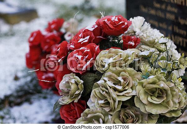 image de pierre tombale fleurs rouges et cr me fleurs sur a csp1577006 recherchez. Black Bedroom Furniture Sets. Home Design Ideas
