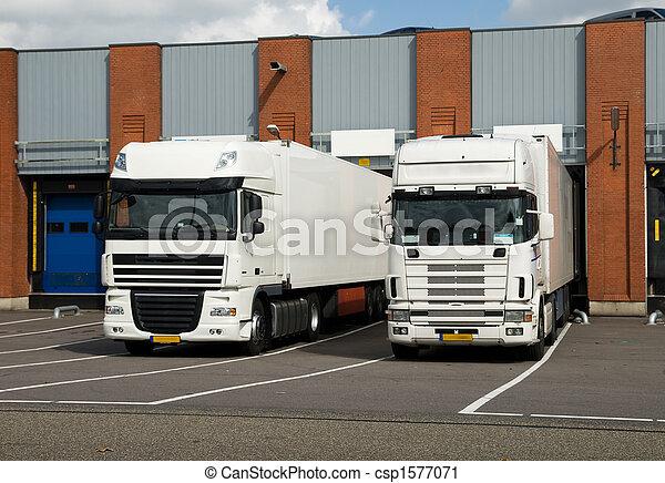 grande, caminhões, carregando, doca - csp1577071