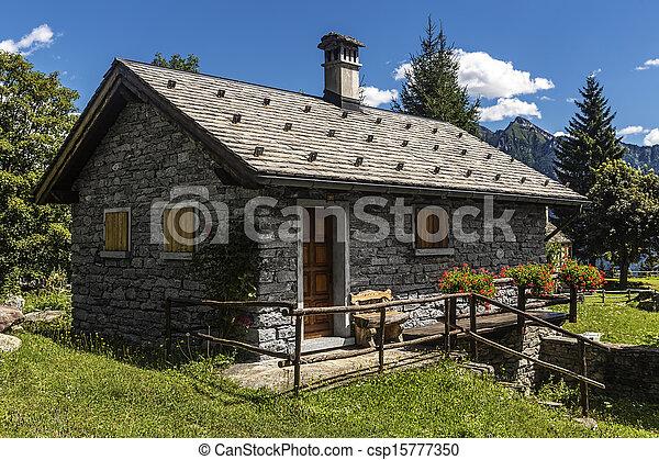images de petite maison montagne petite maison fait de pierre csp15777350 recherchez. Black Bedroom Furniture Sets. Home Design Ideas