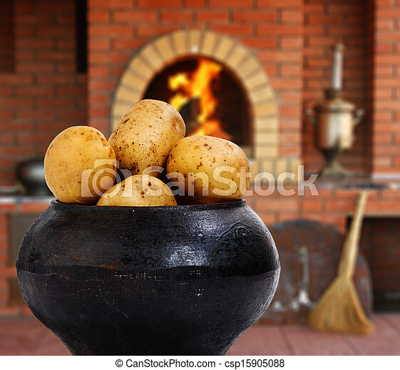 Pictures of cast iron pot with a potato in russian cuisine for Art of russian cuisine