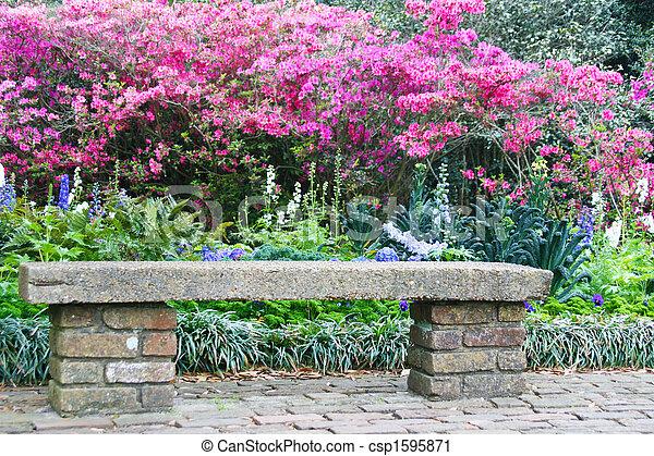Photographies de azalia fleur jardin banc ciment et brique jardin csp1595871 - Banc de jardin en ciment ...