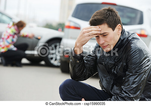 upset man after car crash - csp15990035