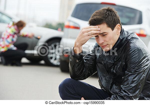 upset man after car crash - csp15990035