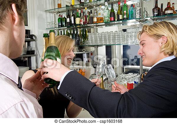 Drinking drunks - csp1603168