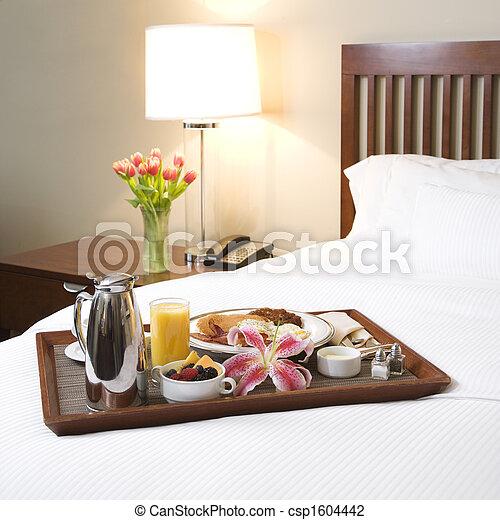 photo de petit d jeuner plateau blanc lit petit d jeuner csp1604442 recherchez des. Black Bedroom Furniture Sets. Home Design Ideas