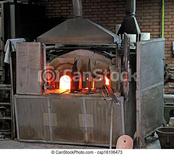 image de fournaise lit puissant flamme fondre verre atelier csp16106473 recherchez. Black Bedroom Furniture Sets. Home Design Ideas