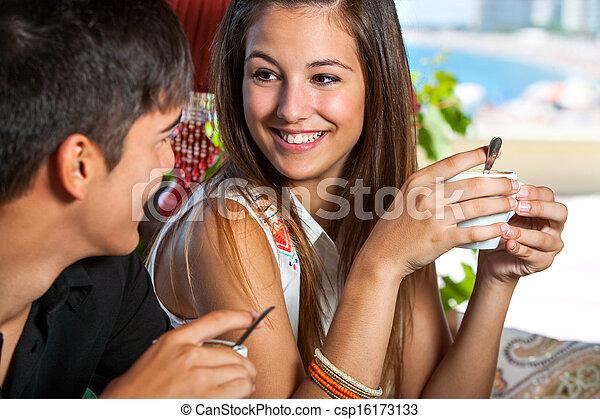 Adolescents mignons ébène voir plus