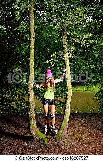 Photo femme rouleau patinage sport activit parc for Patinage exterieur