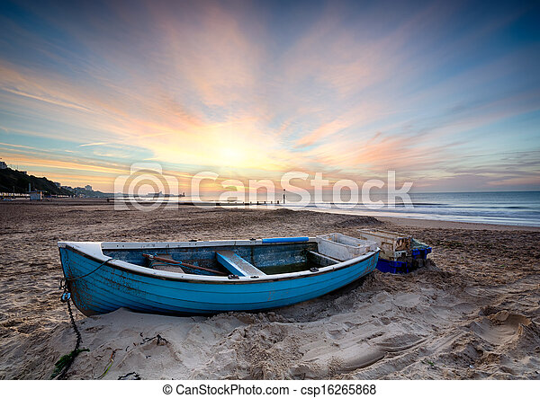 Fishing Boat at Sunrise - csp16265868