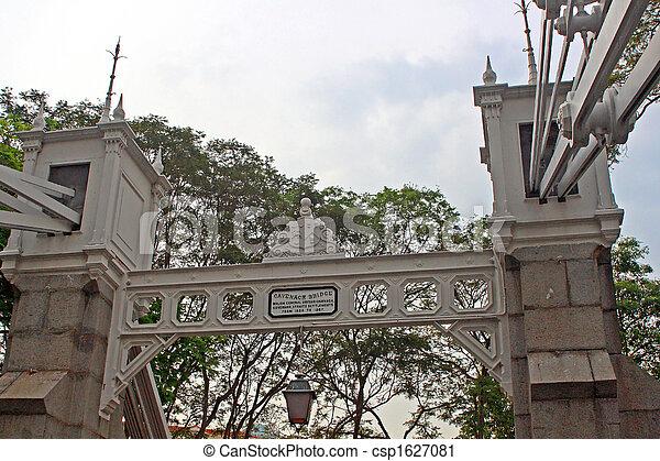 Cavenach Bridge, Singapore - csp1627081