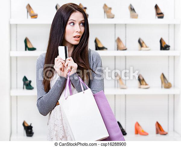 photo girl mains cr dit carte chaussures magasin image images photo libre de droits. Black Bedroom Furniture Sets. Home Design Ideas