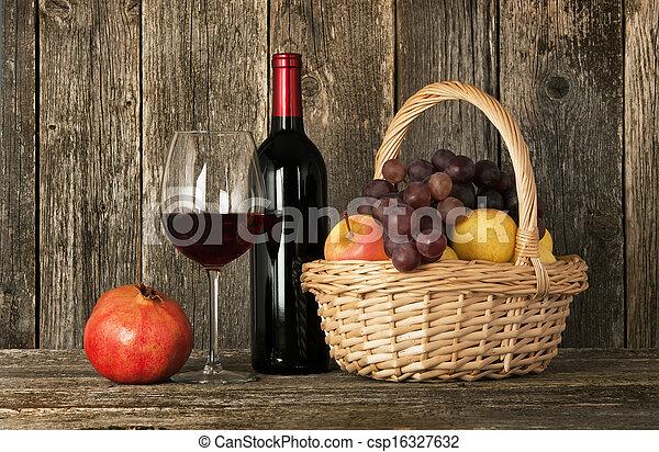 photos de nature morte bouteille rouges vin verre panier fruit csp16327632 recherchez. Black Bedroom Furniture Sets. Home Design Ideas
