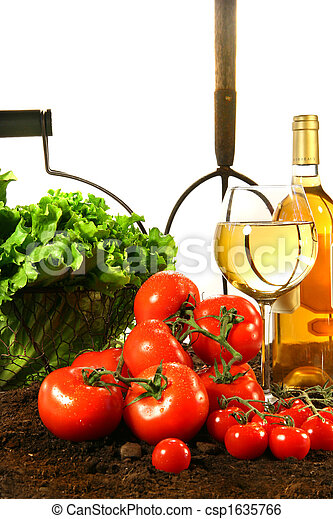 Fresh tomatoes, lettuce and wine - csp1635766