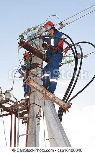Stock de fotos de azul electricistas overol trabajando for Trabajo de electricista en malaga