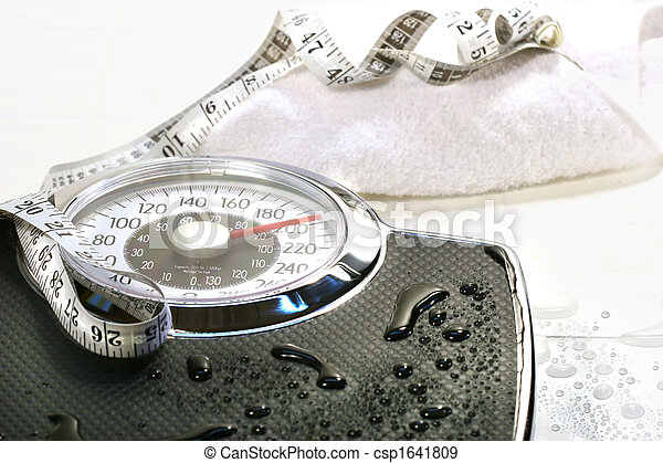 Weight scale and towel - csp1641809