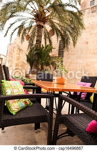 Photo table fleur d coration caf restaurant for Table exterieur restaurant
