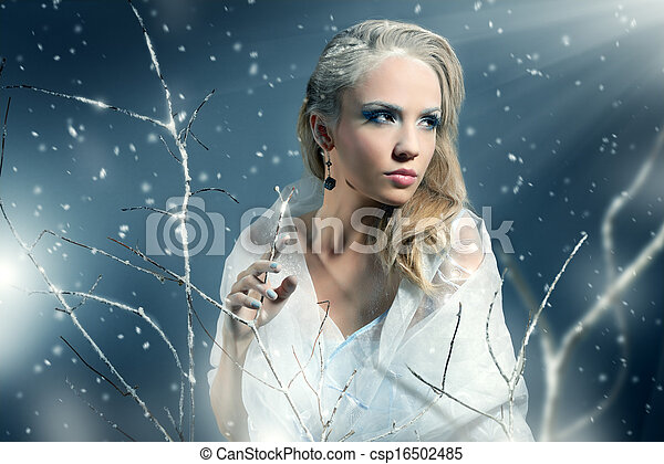 Winter woman with beautiful make-up - csp16502485