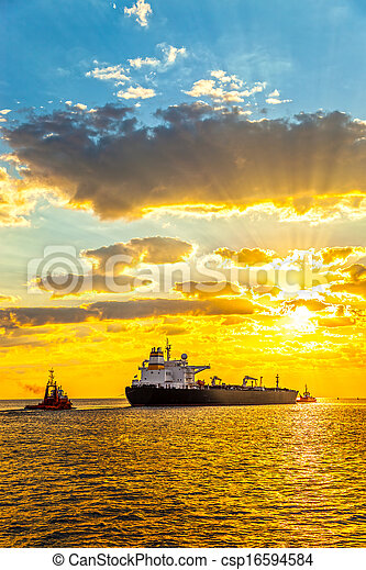 Ship at sunrise - csp16594584