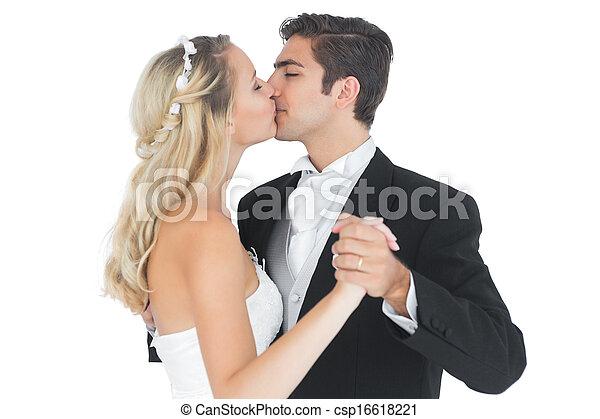 casado Español bailando