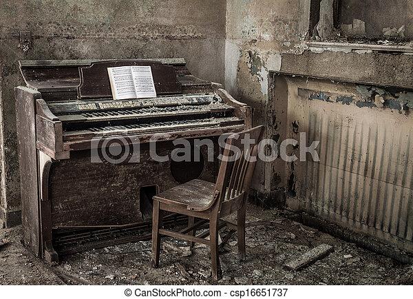 Detroit Abandoned Church - csp16651737