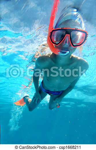 Swimmer swimming underwater - csp1668211