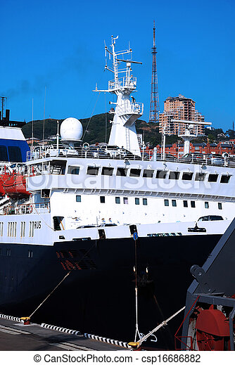 Transportation cars on the ship - csp16686882