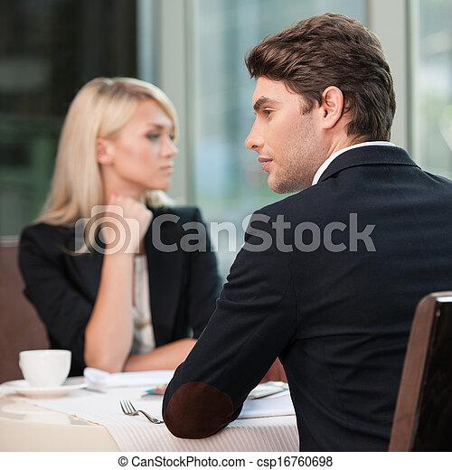 側, 別, コミュニケーション, 恋人, 不一致, 誤解,  businesspeople, 見る - csp16760698