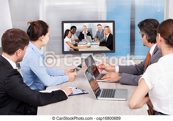 Businesspeople Looking At Computer Screen - csp16800689