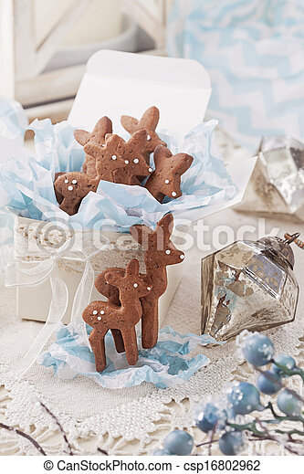 Gingerbread reindeer cookies - csp16802962