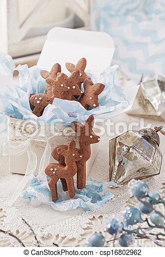 Gingerbread reindeer cookies - csp16802962