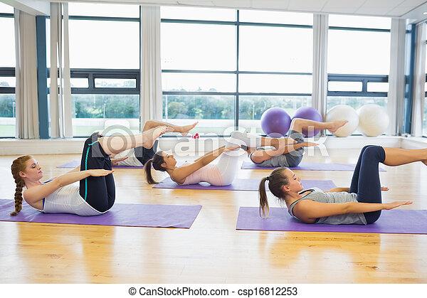 瑜伽蓆子, 伸展, 工作室, 健身 組 - csp16812253