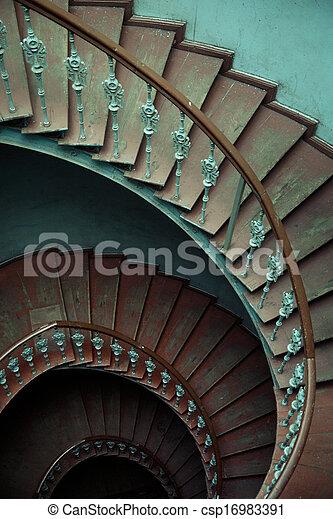 Stock fotografieken van oud oud houten spiraal interieur trap oud interieur - Interieur houten trap ...