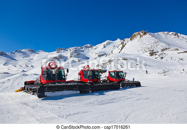 Machines for skiing slope preparations at Bad Hofgastein Austria - nature and sport background - csp17016261