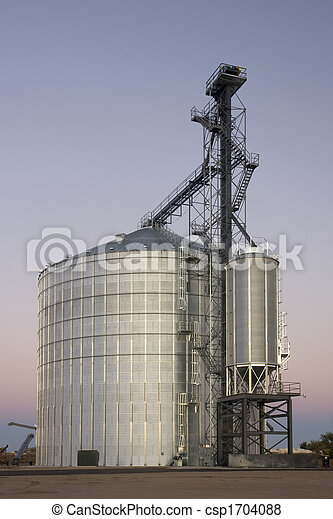 newly constructed grain silo and elevator - csp1704088