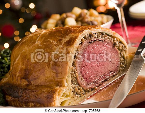Carved Beef Wellington - csp1705768
